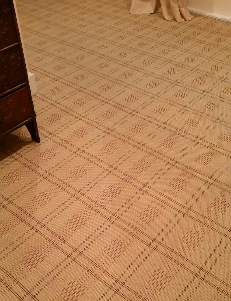 Pic_2_line_in_carpet.jpg