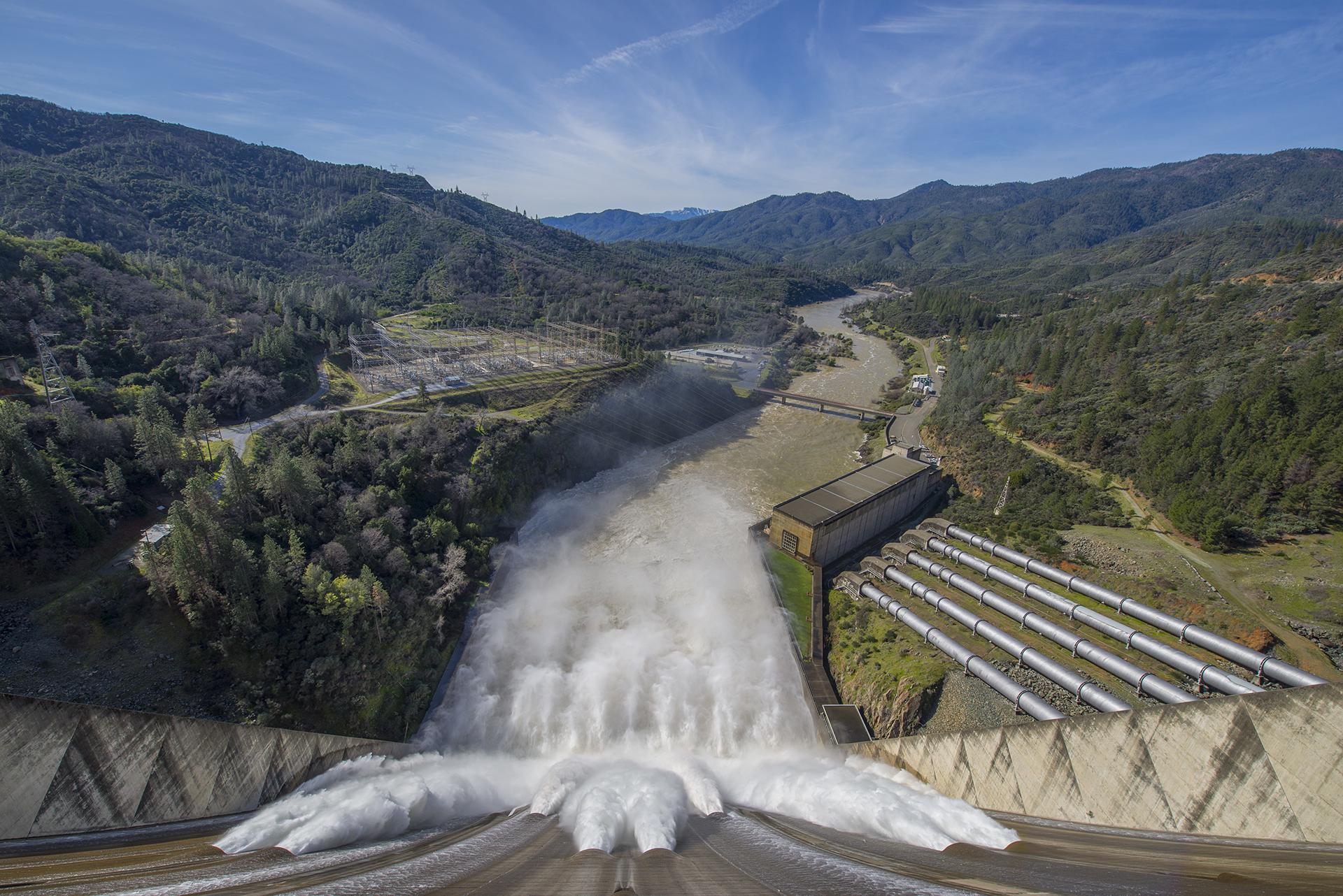 Shasta-Dam-Spillway-wide.jpg